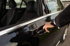 Things to Consider When Hiring a Chauffeur Driver for Your Holiday